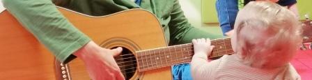 Baby Musik Gitarre